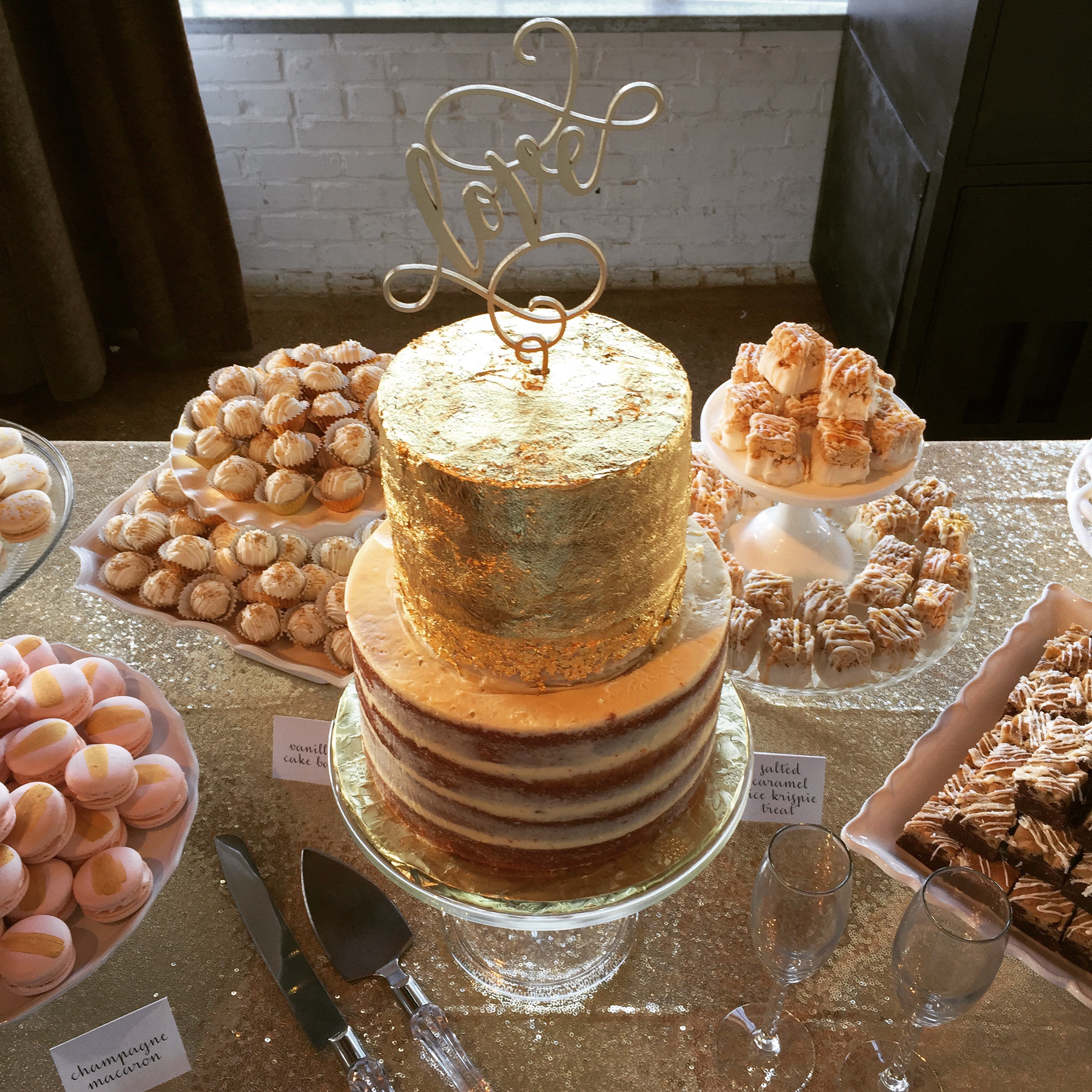 Dallas Fort Worth Bakery cake and dessert bars for weddings and events